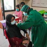 Polrestro Bekasi Kota Gelar Vaksinasi di Kampung Tangguh