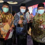 PDAM Tirta Bhagasasi Bekasi Raih TOP BUMD Awards 2021